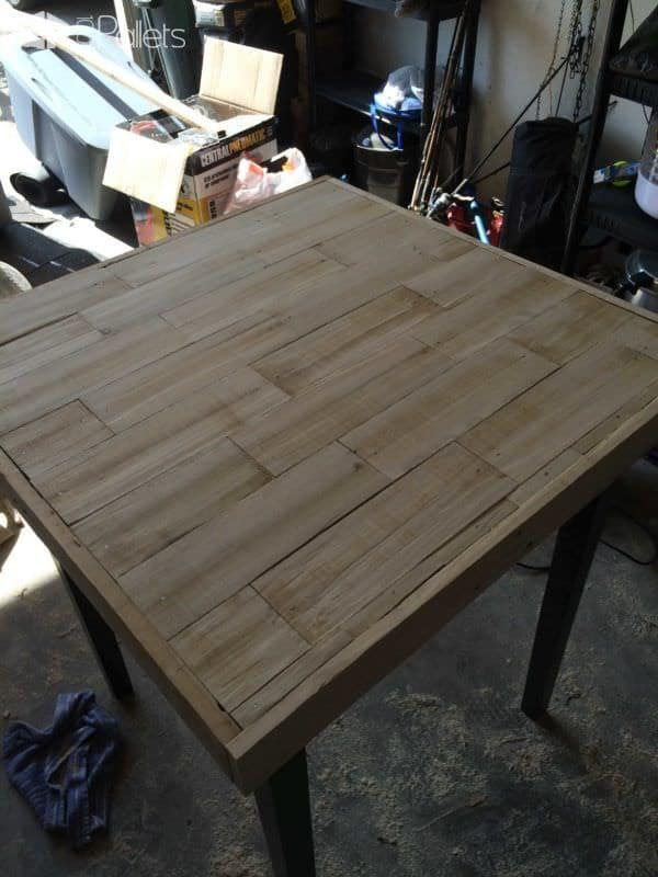 Tabletop Refinished with Pallet Wood
