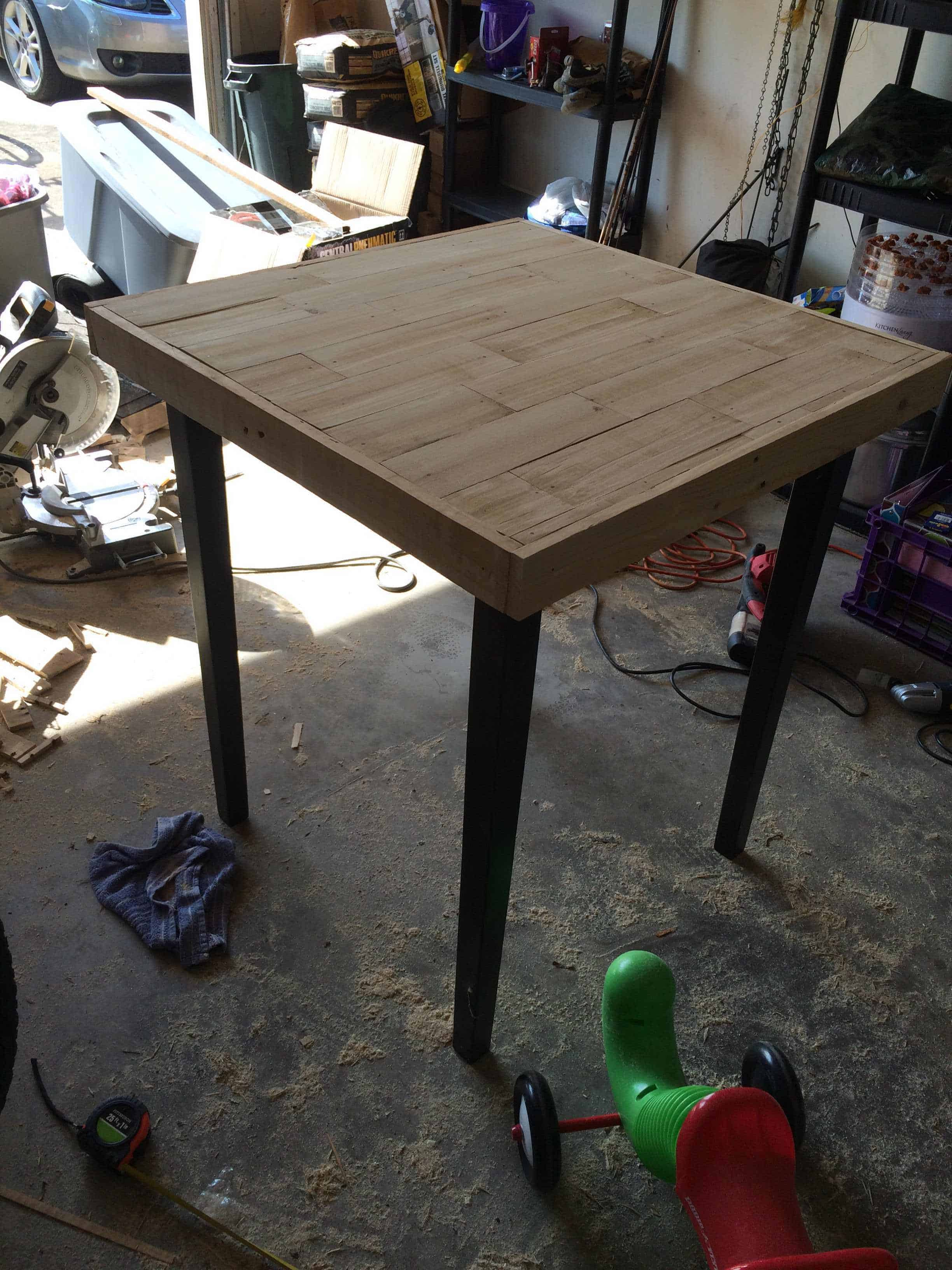 Wood Pallet Table Top Tabletop Refinished With Pallet Wood O Pallet Ideas O 1001 Pallets