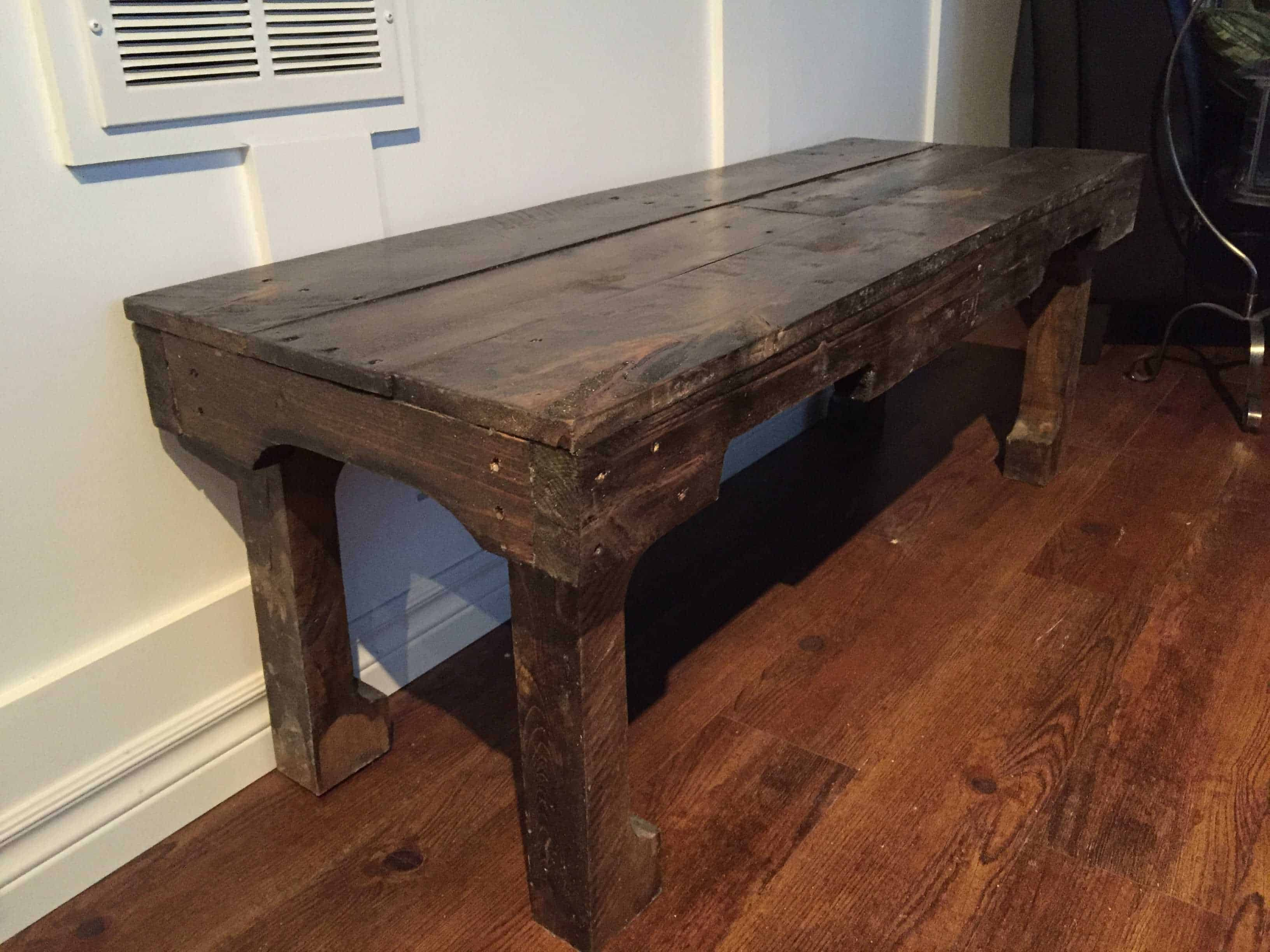 A Dark Walnut Extra Long Coffee Table • 1001 Pallets