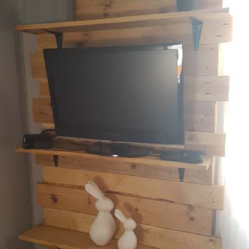 Bedroom Shelf from Two Pallets