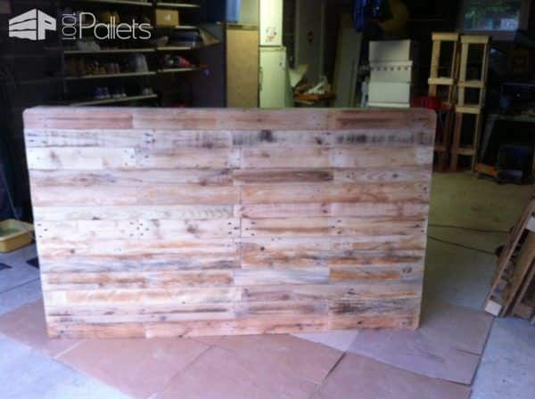 Charming Pallet Headboard DIY Pallet bed headboard and frame - Pallet Bedroom