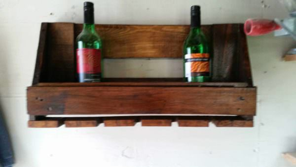 Euro-pallet Wine Rack and Glasses Holder 1