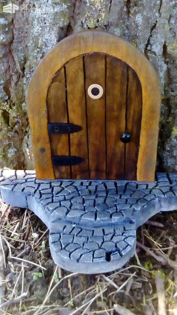 1001pallets.com-fairy-doors-from-pallets2