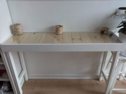 Hallway Pallet Table with Hidden Drawer
