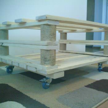 Mobile Pallet Coffee Table
