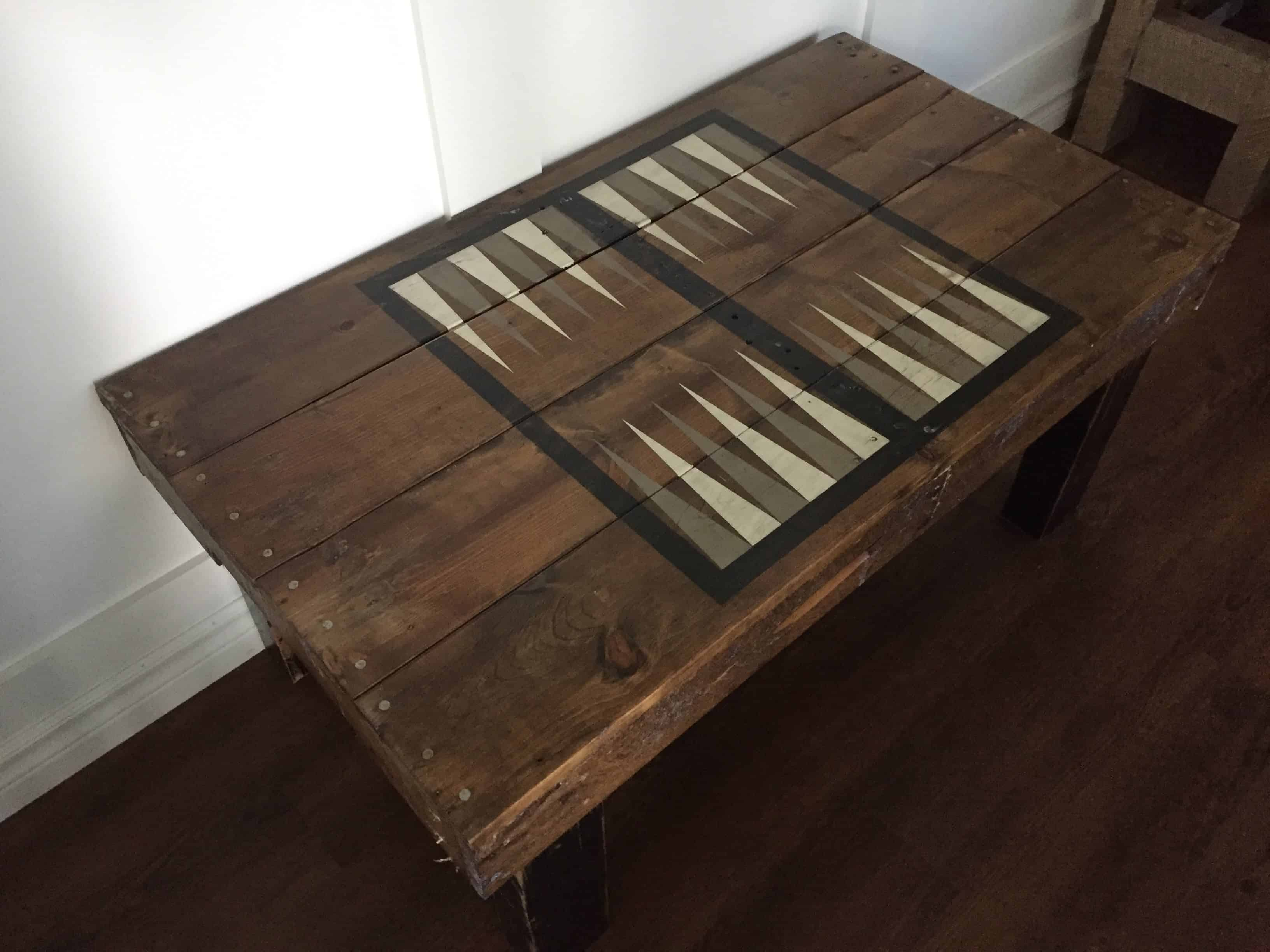 Pallets Table • Pallet Backgammon 1001 54A3RjL