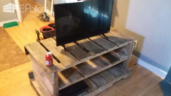 Pallet Entertainment Center Pallet TV Stand & Rack
