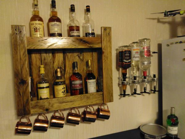 Pallet Whiskeys Shelf for Home Bar DIY Pallet Bars