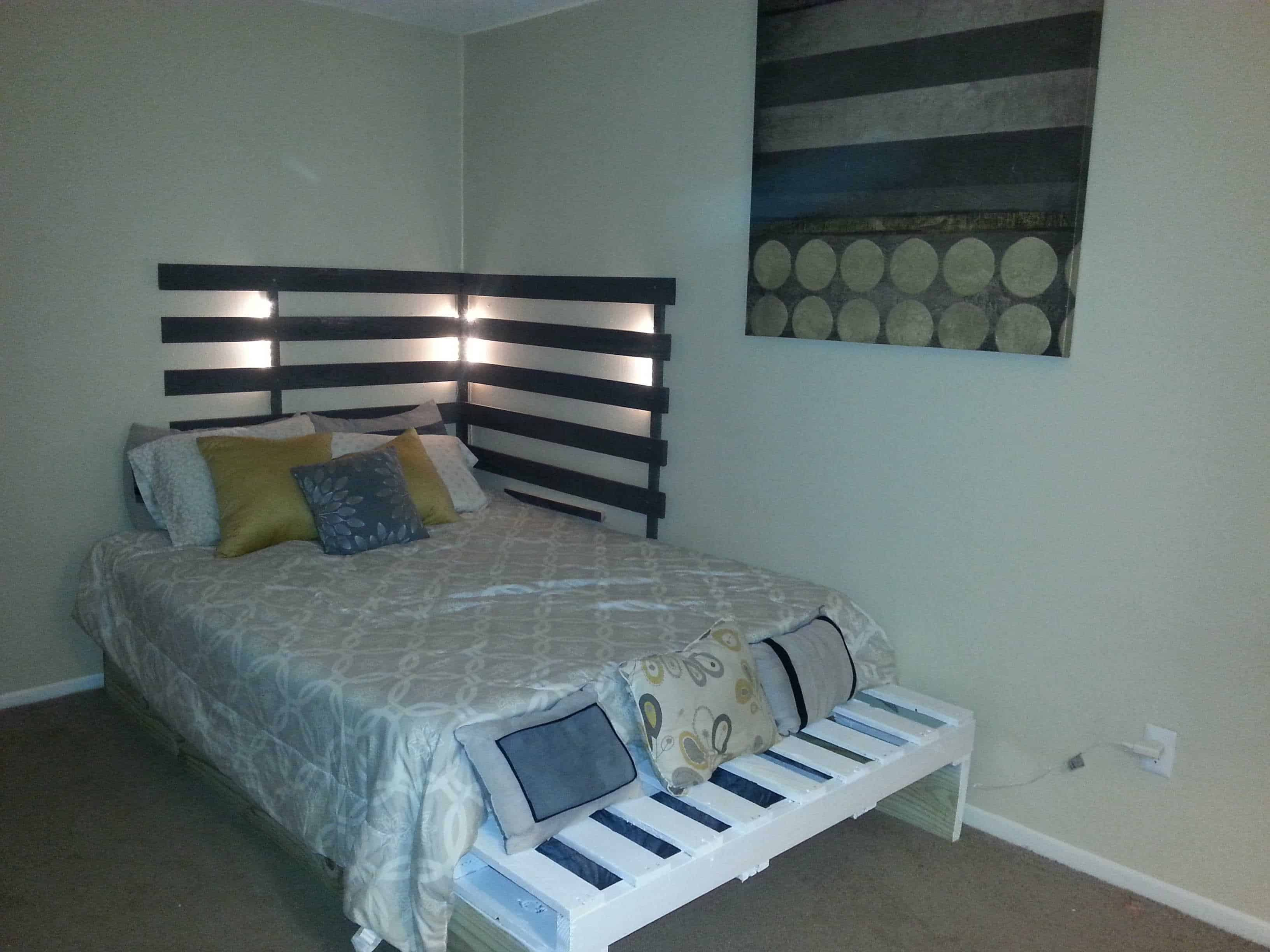 queen bed from 3 pallets • pallet ideas • 1001 pallets