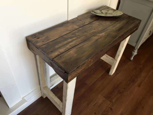 Rustic sofa table 1001 pallets for Sofa table made from pallets