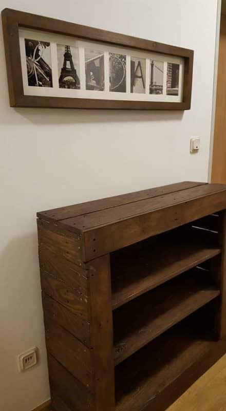Simple and Efficient Pallet Bookshelf