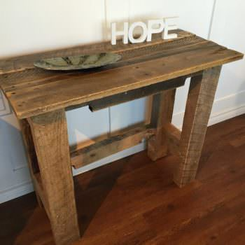Sturdy Pallet Accent Table