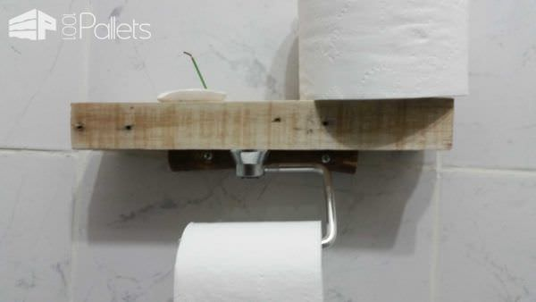 Super-easy Pallet Toilet Paper Holder Pallet Home Décor Ideas