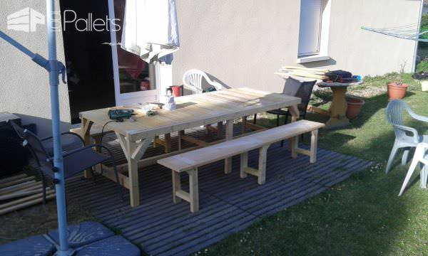 Table & Bench for My Garden Pallet Desks & Pallet Tables