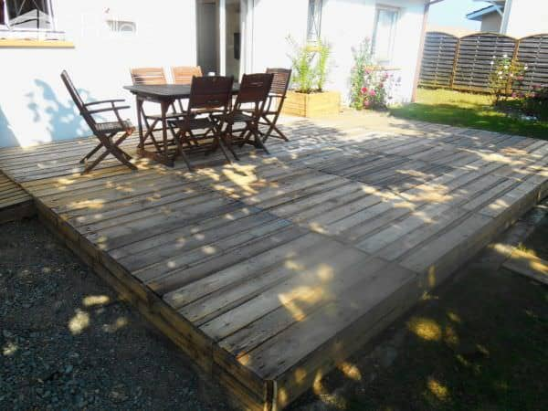 terrasse en palette pallet terrace deck 1001 pallets. Black Bedroom Furniture Sets. Home Design Ideas