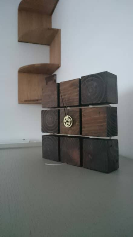 Clock from Pallet Blocks