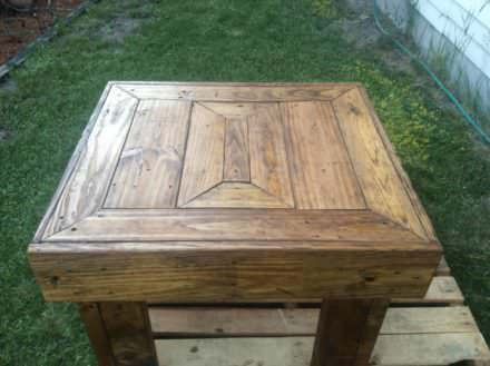 Gorgeous Outdoor Pallet Table
