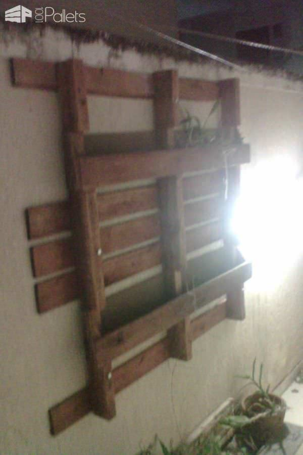 1001pallets.com-jardim-vertical-vertical-pallet-planters-4-600x900 Pallet Garden Backyard Ideas on pallet dining room, spring backyard garden, pallet backyard deck, design backyard garden, pallet backyard kitchen, pallet flowers, pallet backyard bar, pallet gardening, pallet backyard landscaping, pallet living room, pallet backyard furniture, pallet backyard games, kitchen backyard garden,