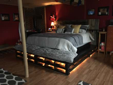 King-size Pallet Bed
