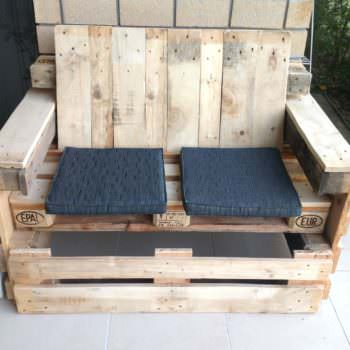 Outdoor Pallet Lounge Seat