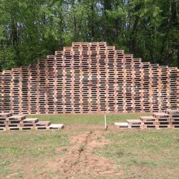 Pallet Stage Made From 600 Pallets @ Back to the Woods #3