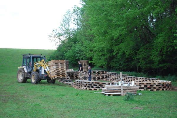 1001pallets.com-stage-back-to-the-woods-34