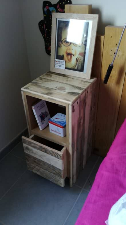 Table De Nuit / Pallet Bedside Table