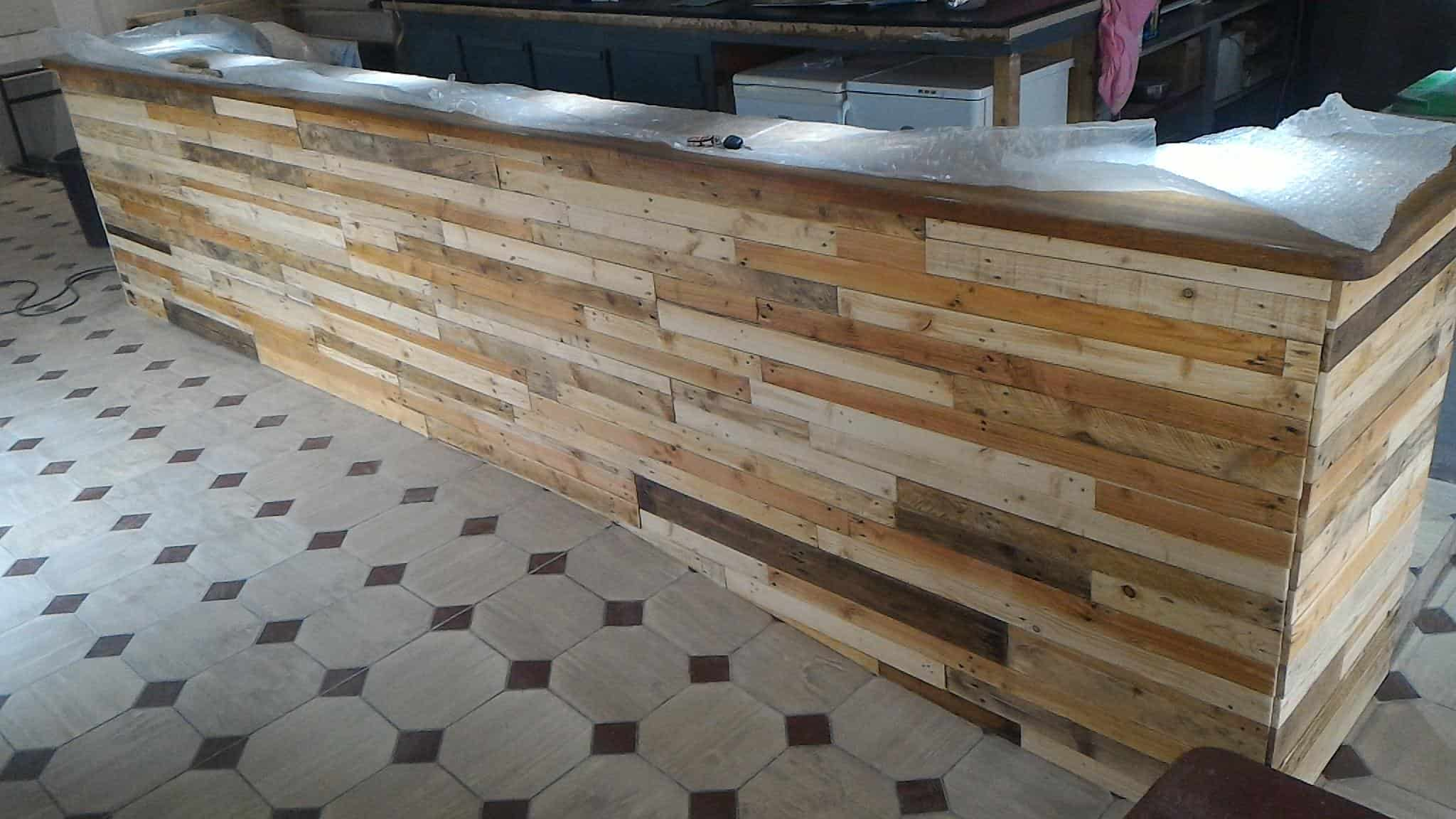 Bar Receives Pallet Wood Facelift • Pallet Ideas • 1001 Pallets
