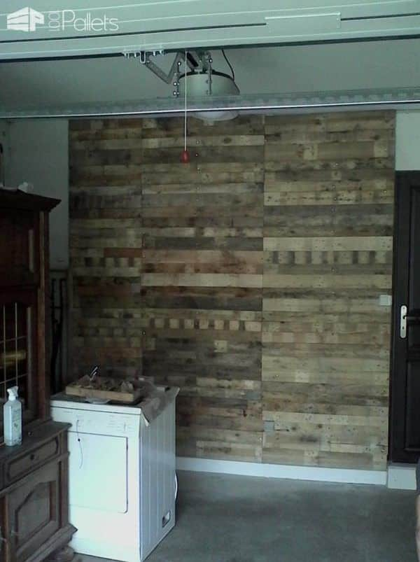 Pallet Bedroom Suite / Chambre En Palette DIY Pallet Bed Headboard & Frame Pallet Desks & Pallet Tables Pallet Lamps, Pallet Lights & Pallet Lighting