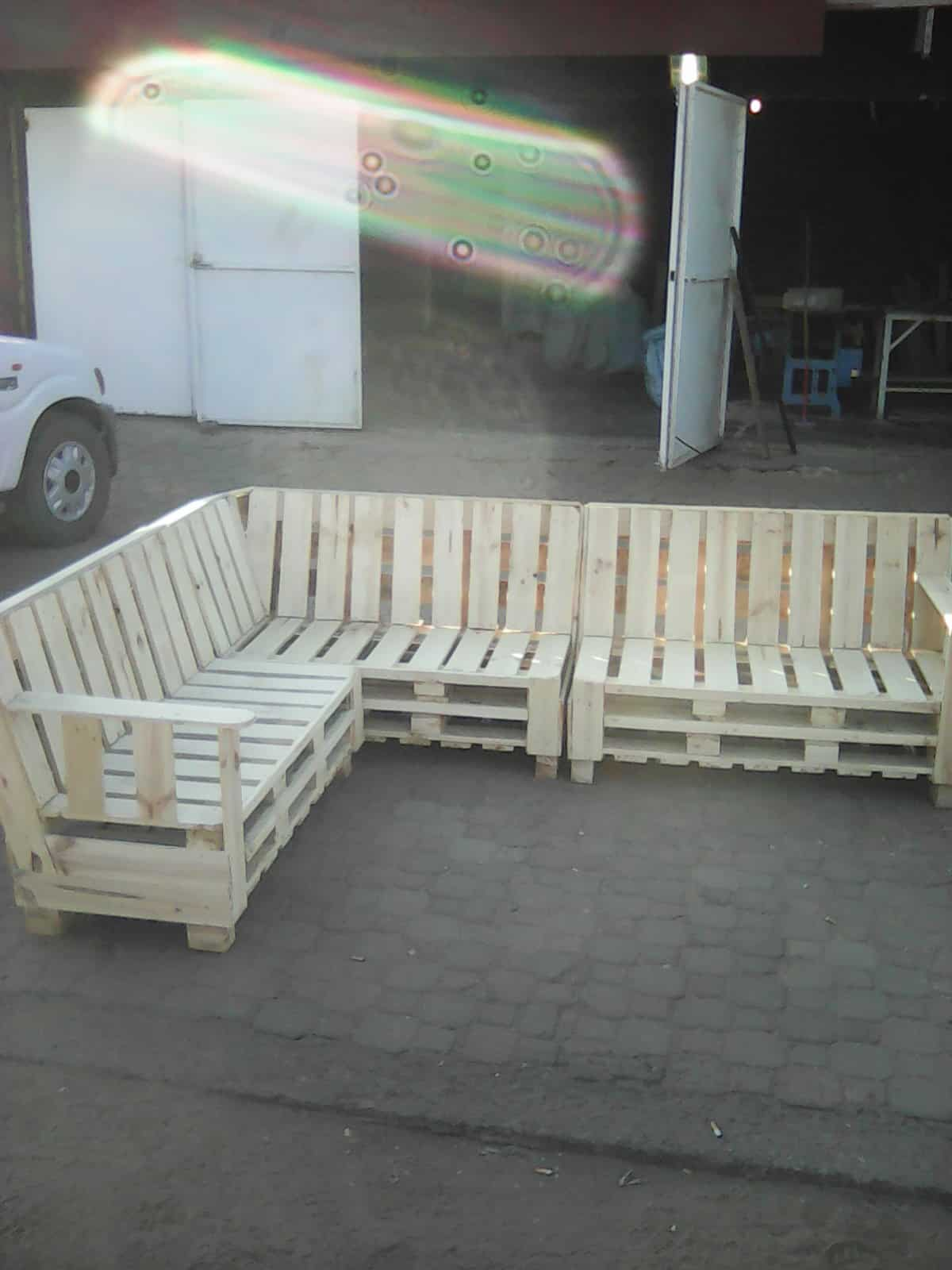 Pallet sectional sofa o 1001 pallets for Pallet sectional sofa plans
