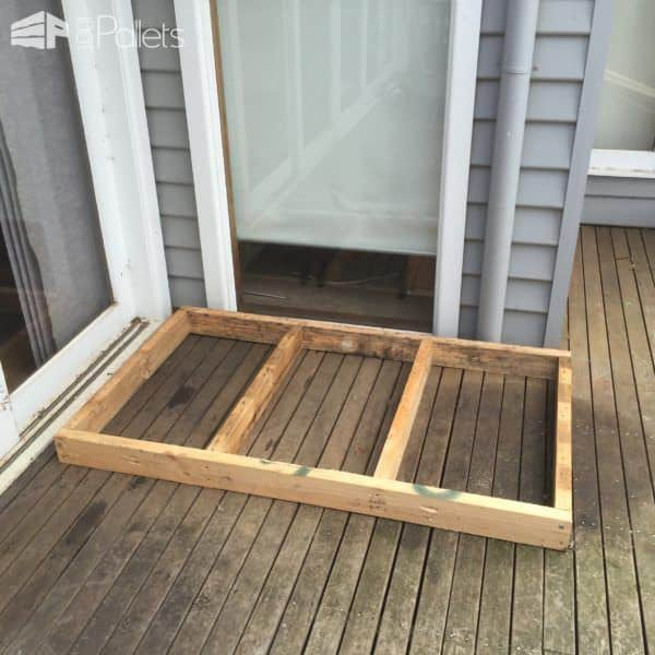Roomy Pallet Dog Kennel Animal Pallet Houses & Pallet Supplies