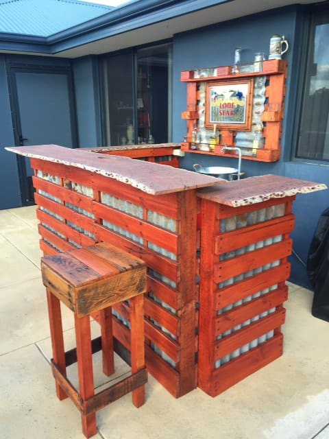 Rustic western bar 1001 pallets for Bar hecho en madera