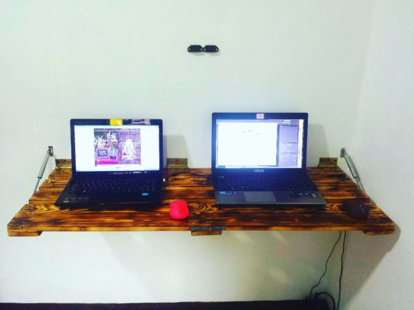Wall-mount, Folding Pallet Table Pallet Desks & Pallet Tables