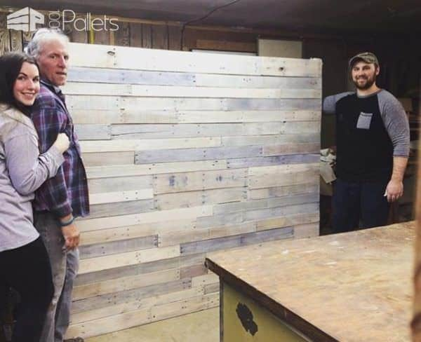 1001pallets.com-white-washed-pallet-headboard2
