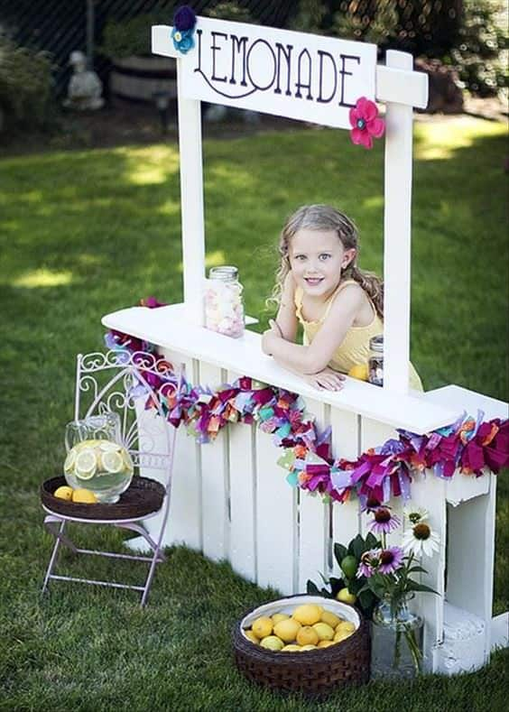 10 Lemonade Stands Made out of Repurposed Pallets Fun Pallet Crafts for Kids