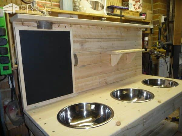 3-bowl Pallet Mud Kitchen with Removeable Blackboard • 1001 Pallets