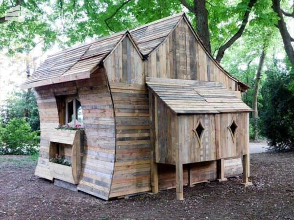 Amazing Pallet Cabin in The Woods Pallet Sheds, Cabins, Huts & Playhouses