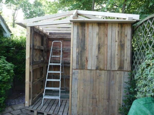 1001pallets.com-beautiful-summer-house-from-20-pallets5