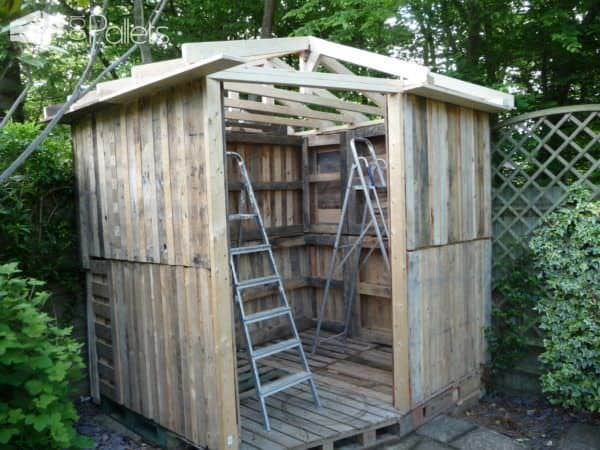 1001pallets.com-beautiful-summer-house-from-20-pallets4