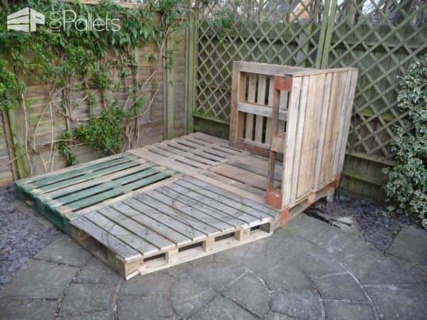 1001pallets.com-beautiful-summer-house-from-20-pallets2