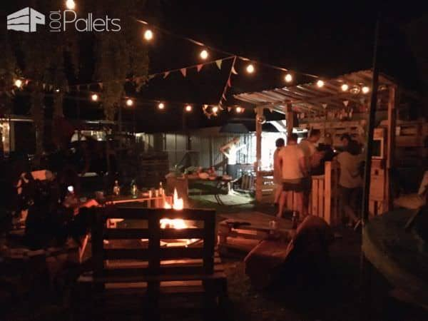 Backyard Pallet Bar Lounge Set DIY Pallet BarsLounges & Garden Sets
