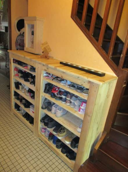 Beautiful Handy Hallway Pallet Shoe Rack