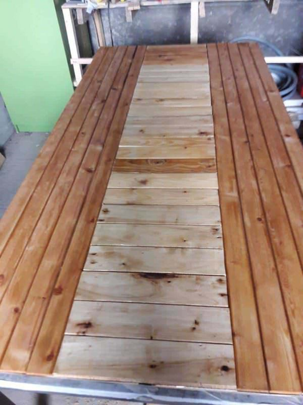 Beautiful Pallet Dining Table Pallet Desks & Pallet Tables