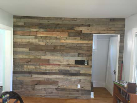 Living Room Pallet Accent Wall