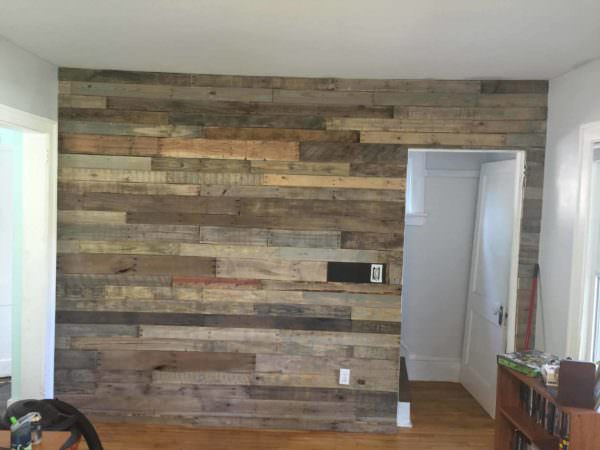 Living Room Pallet Accent Wall 1001 Pallets