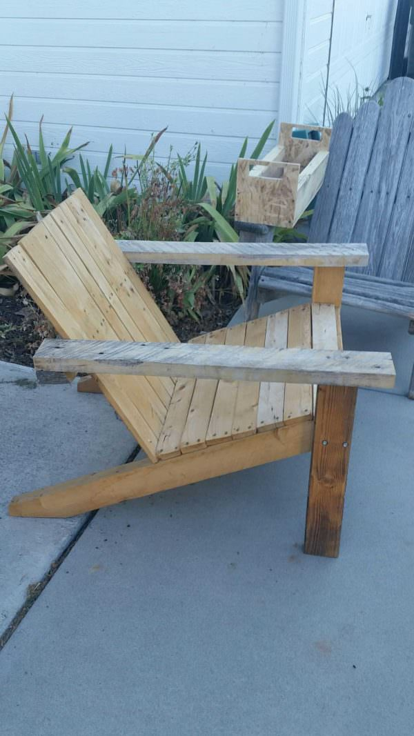 Pallet Adirondack Chair Set