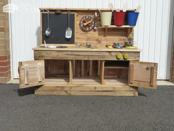 Pallet Educational Play Kitchens Fun Pallet Crafts for Kids Pallet Desks & Pallet Tables