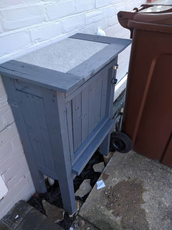 Pallet Gas Meter Cover-up Pallet Boxes & Chests Pallets in the Garden