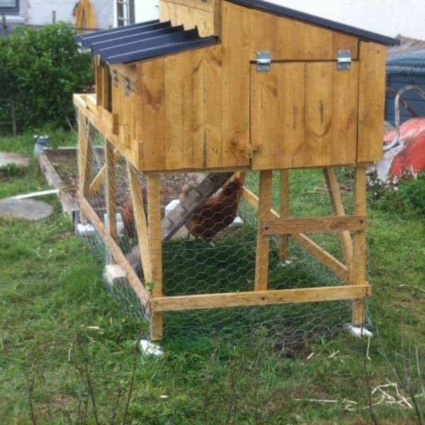 Pallet Henhouse / Garden Bed / Poulallier Animal Pallet Houses & Pallet Supplies