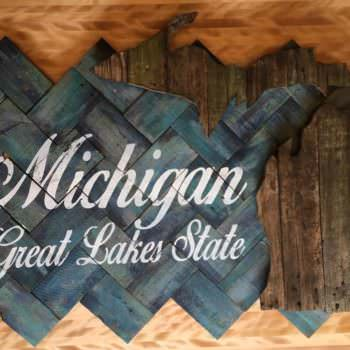 Pallet Palooza 1st Place In Signs: Great Lakes State